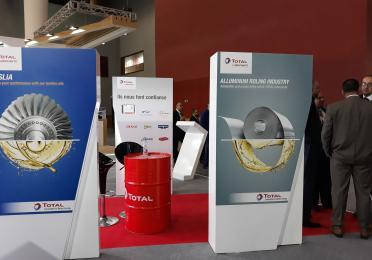 participation de Total au salon NAPEC - 3